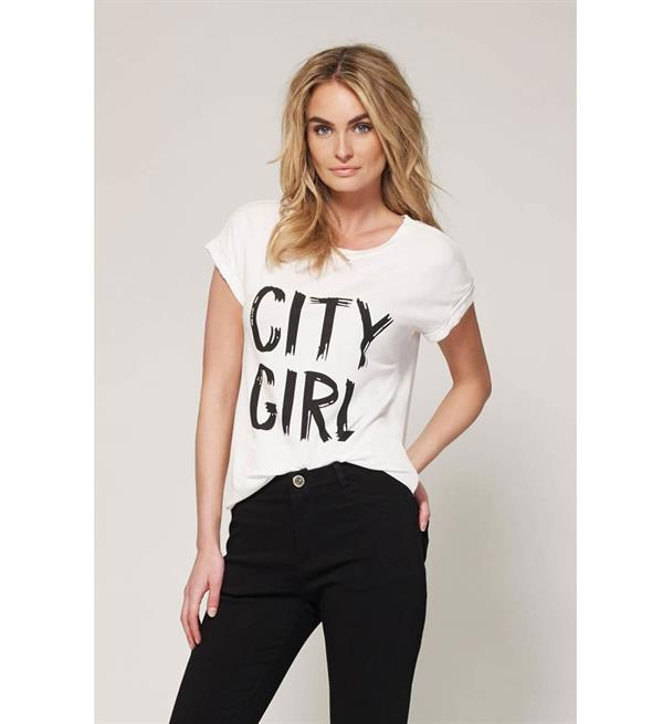 lofty-manner-t-shirts-celina-wit